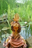 """Skulptur von Myrthyra: """"Ailaiana, das Wesen der Beschenkung und das Geben und"""